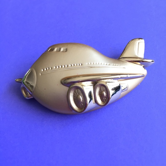 A.J.C. Jewelry - Airplane Gold Brooch